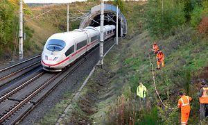 SFS Köln - Rhein/Main, Vegetationskontrolle - Mäharbeiten durch DB Fahrwegdienste