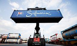 Containerumschlag im DUSS-Terminal Duisburg