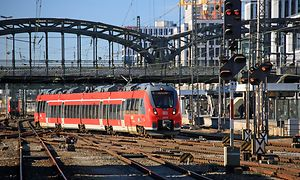 Talent 2 auf Gleisanlagen vor dem Münchner Hbf