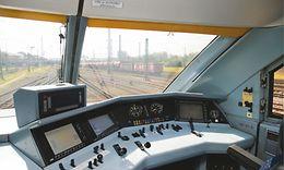 Führerpult mit ETCS Display (DMI)